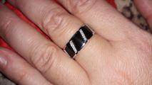 Серебряное кольцо с фианитами и эмалью
