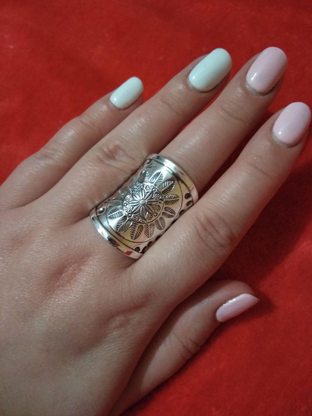Массивное серебряное кольцо