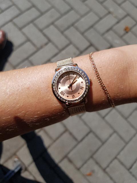 Красивенные часы.