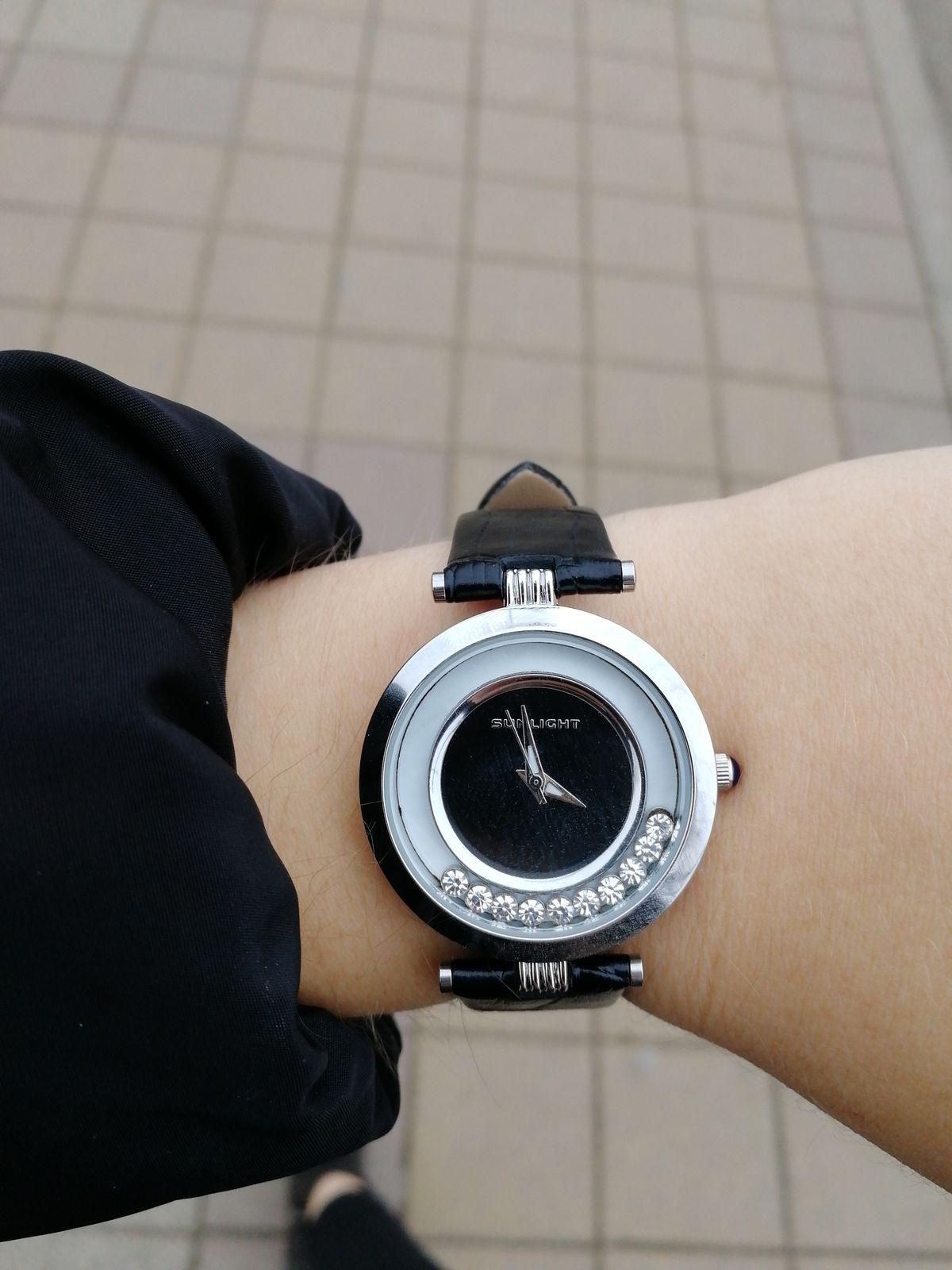 Хорошие часы, с приятной ценой.