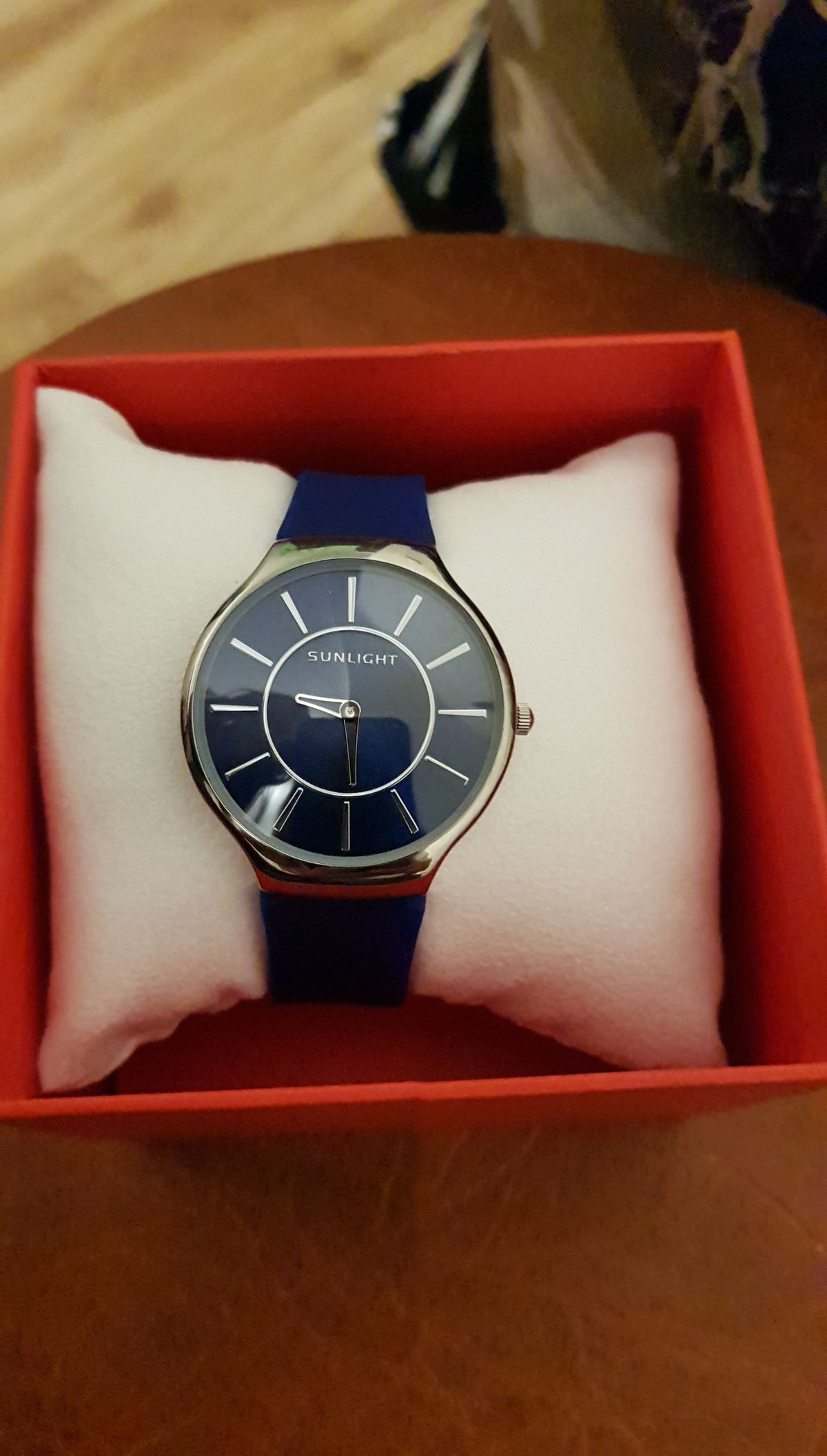 Часы синие с силиконовым ремешком