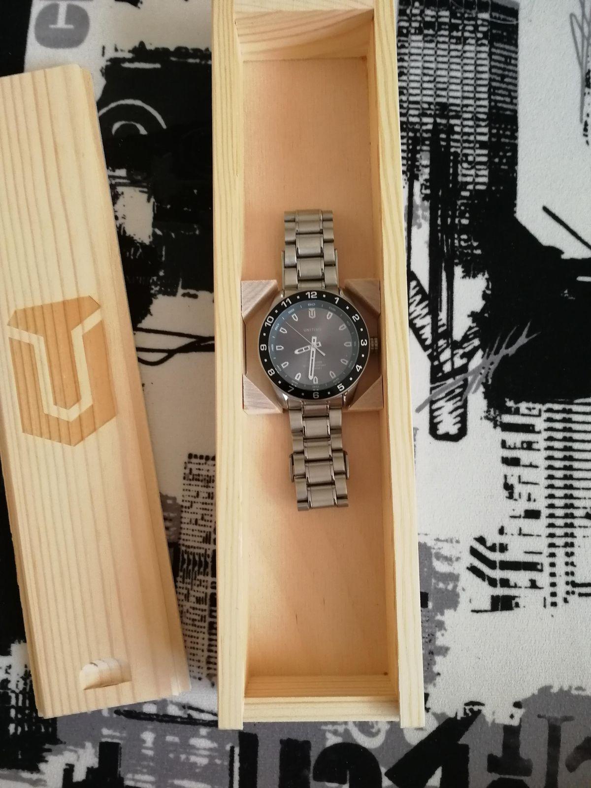 Часы компании Унитайм