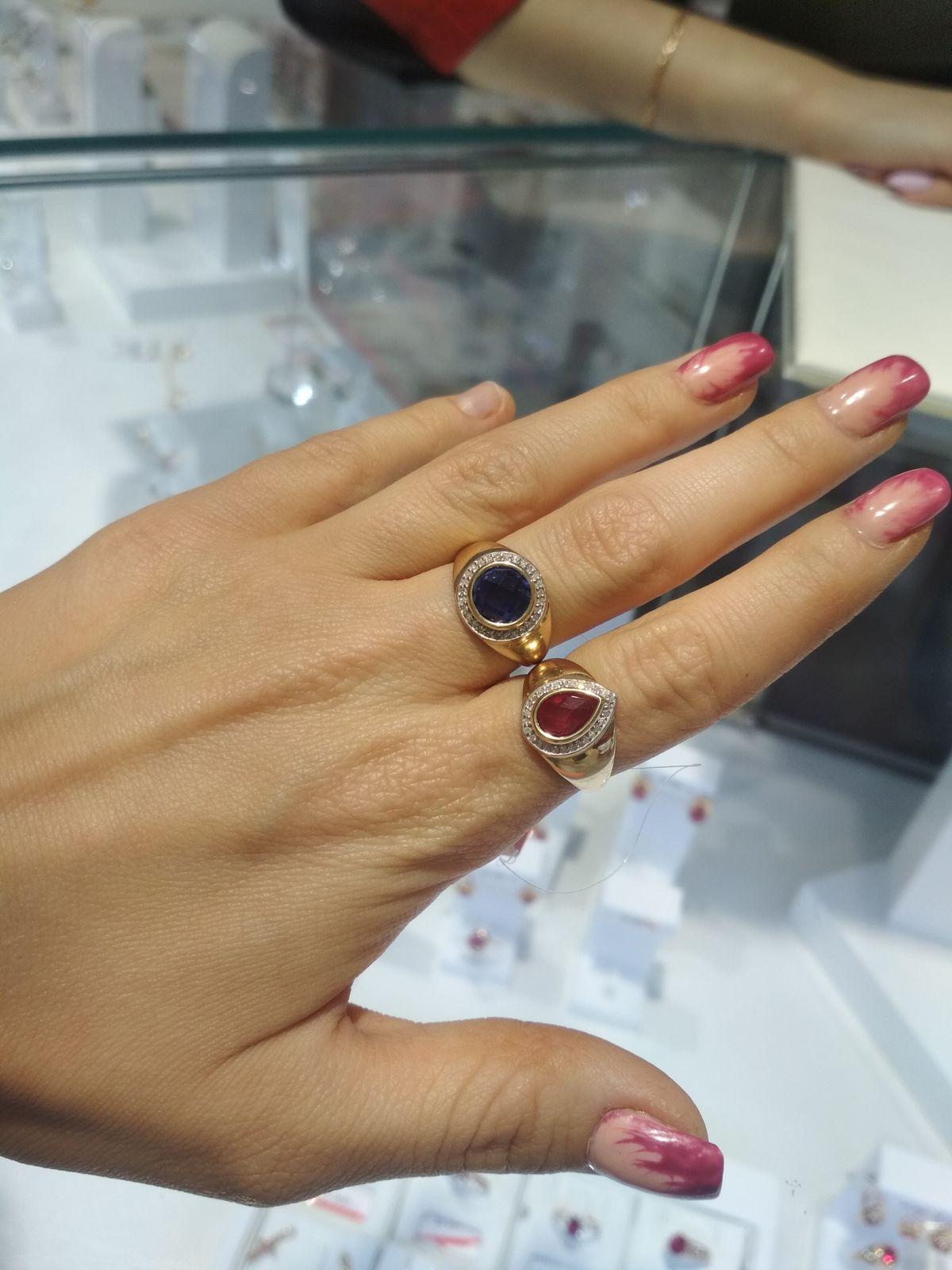 Золотое кольцо с рубином 😍просто шик