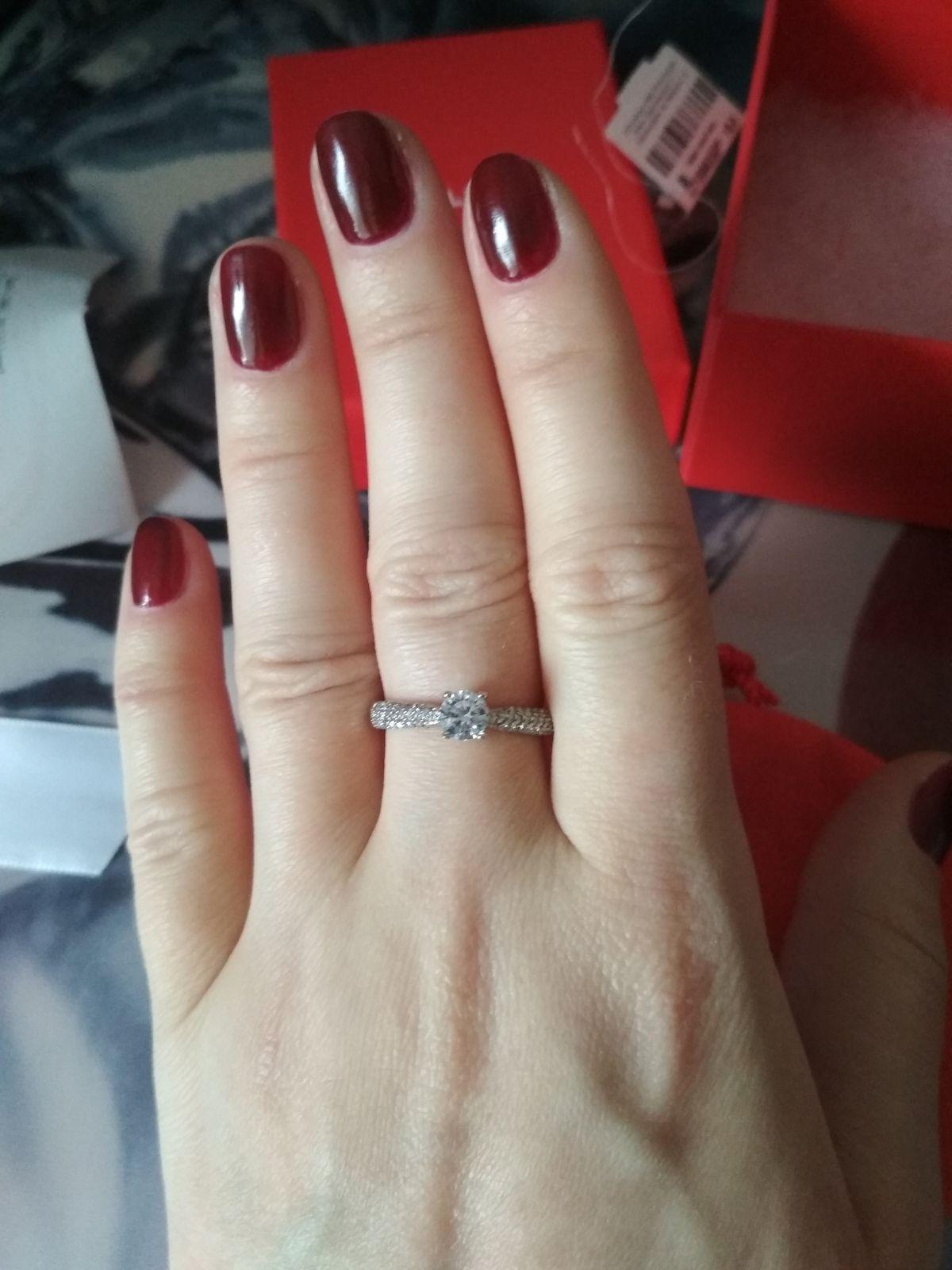 Шикарное золотое кольцо
