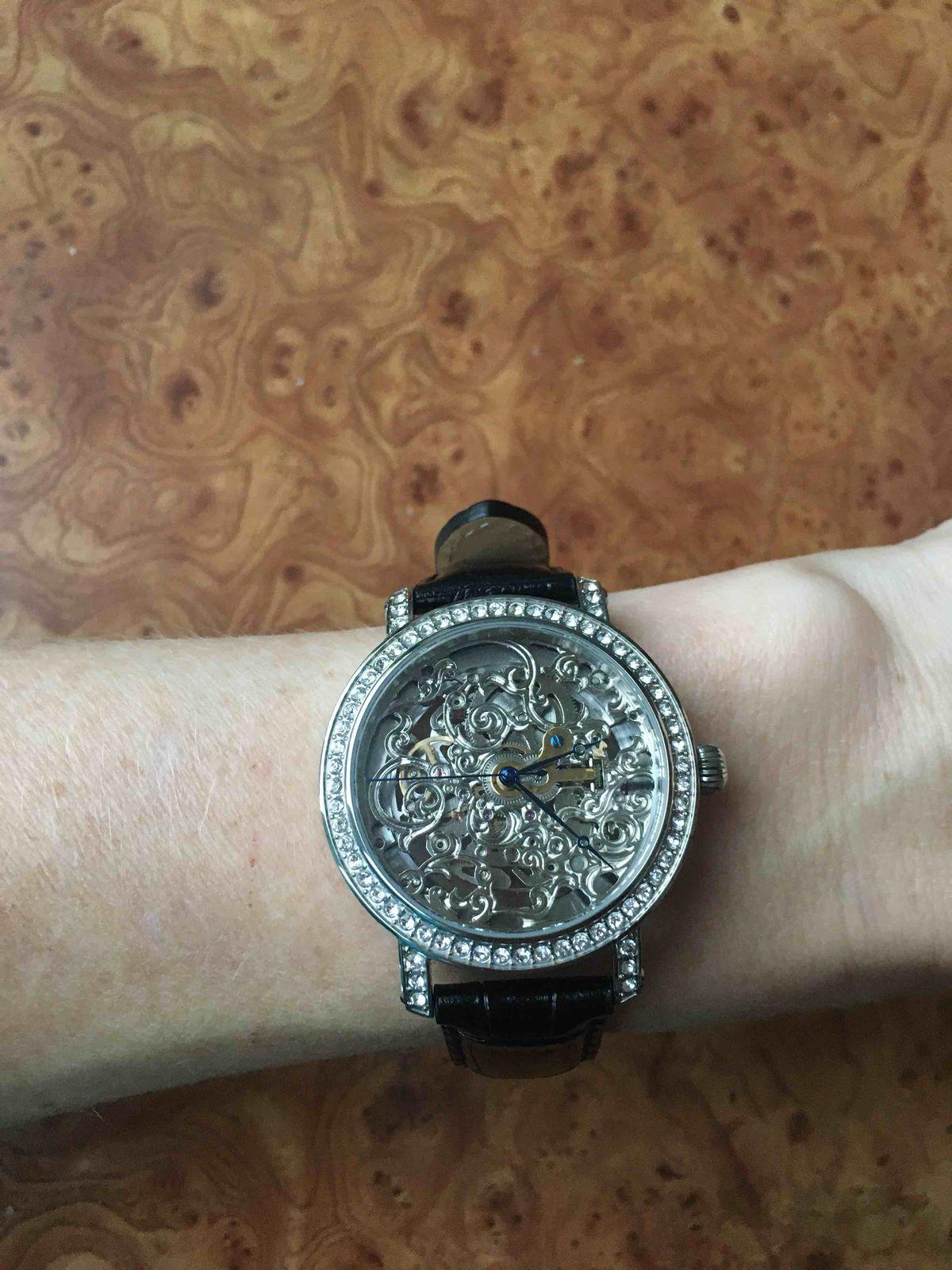 Часы скелетоны😍