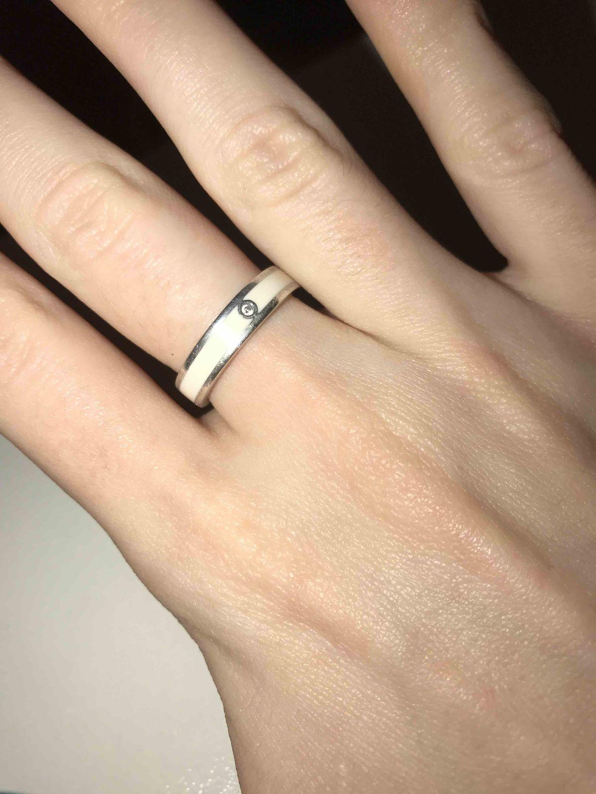 Милое кольцо, удобное, не задевается одежду, подходить подо все! крутое
