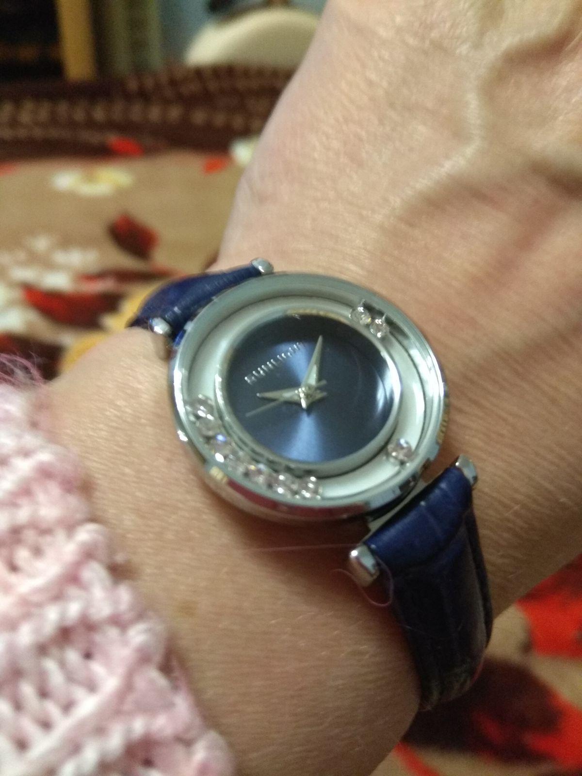 Красивые женственные часы