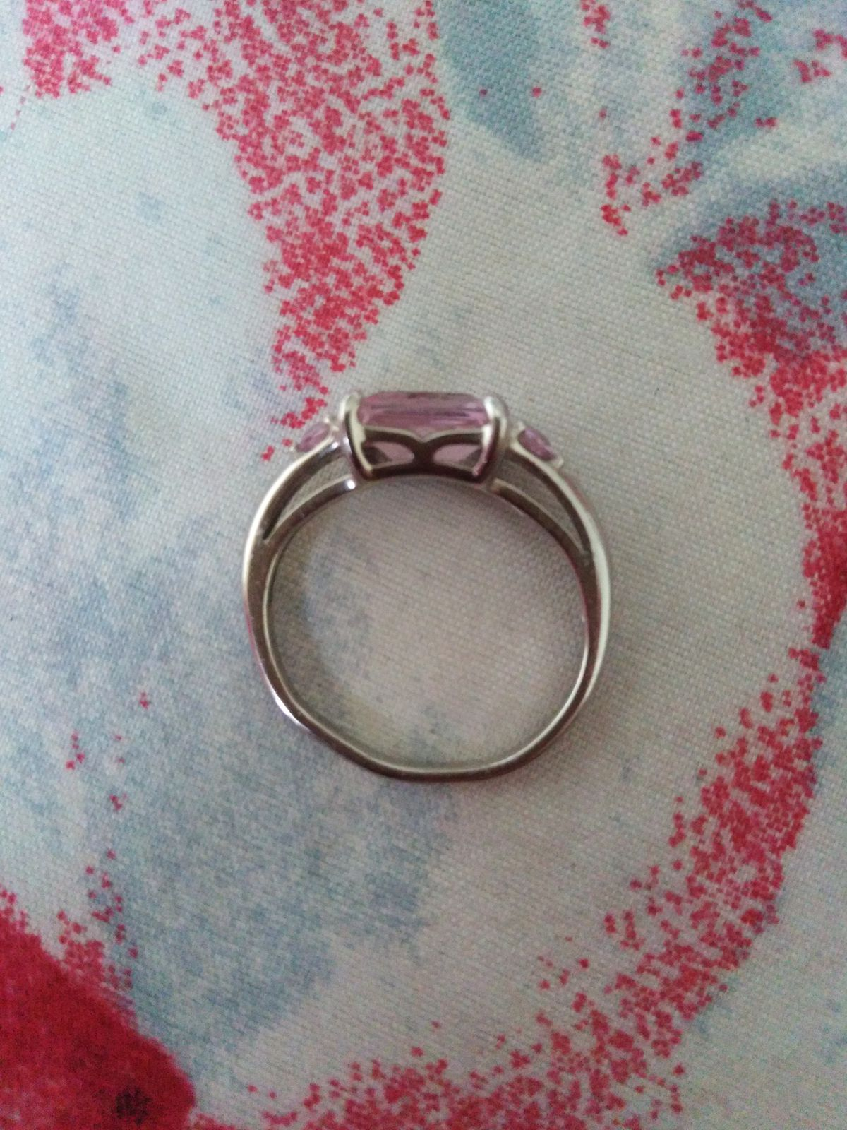 Кольцо красивое, но качество под вопросом