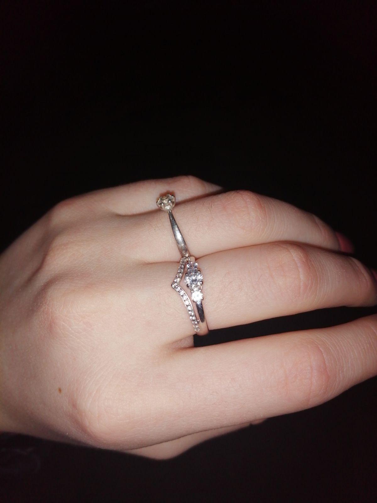 Кольцо нежное и красивое