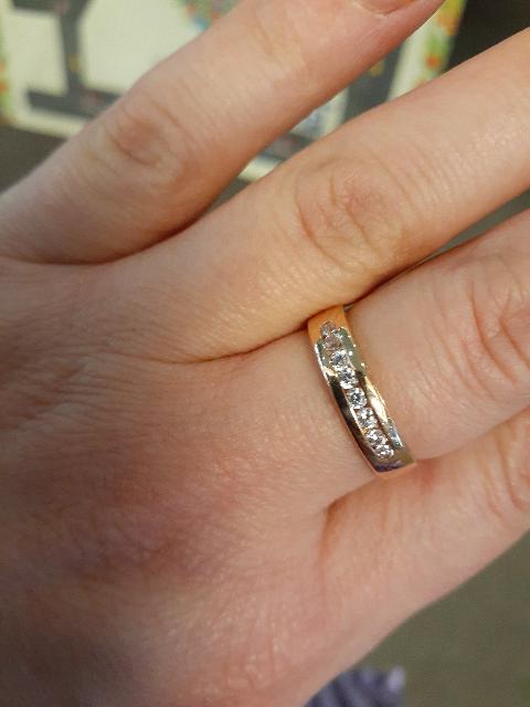 Кольцо супер,а цена перед новым годом,считай даром.