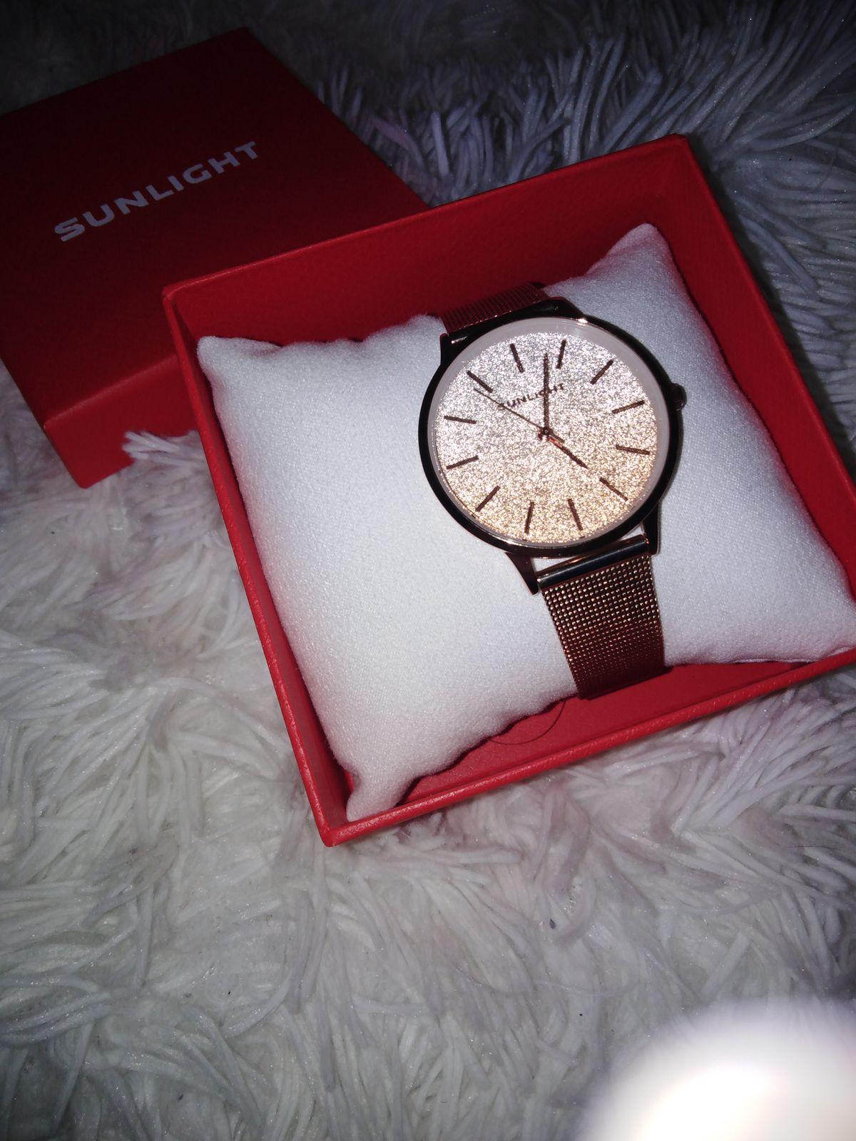 Товар пришёл вовремя, все красиво упаковано, часы такие же как на фото