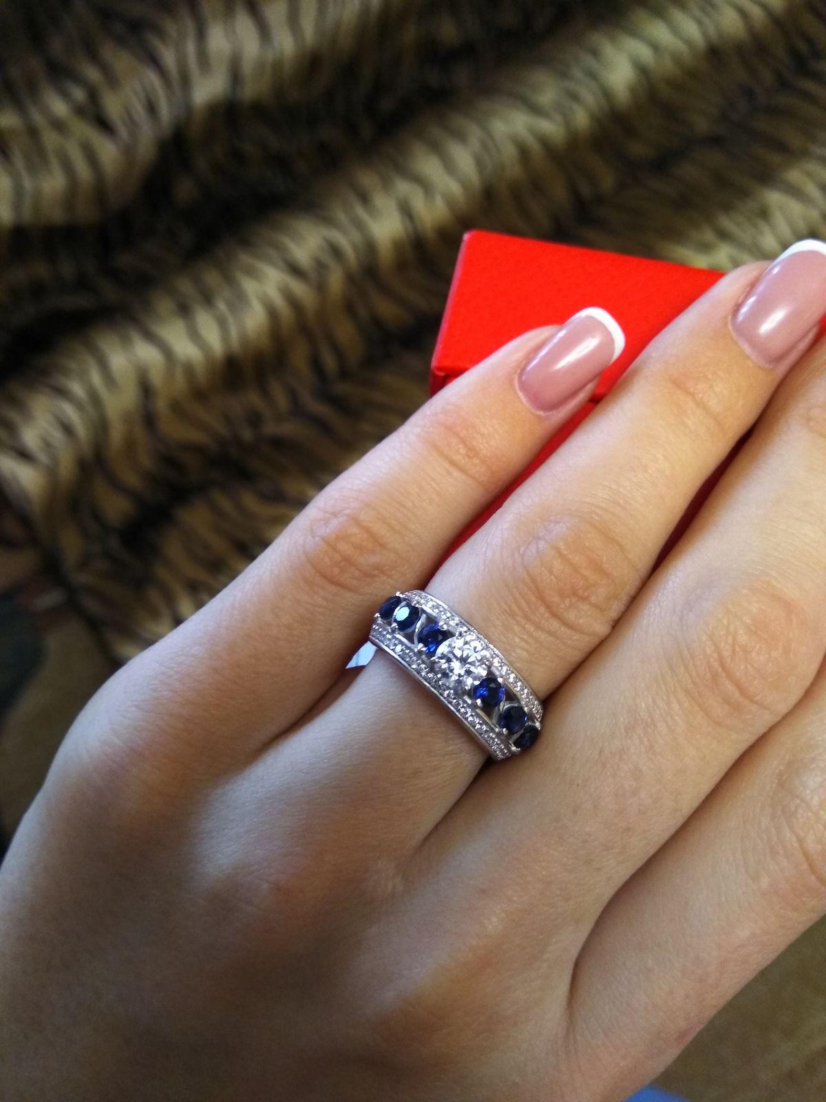 Серебряное кольцо с сапфирами и фианитами