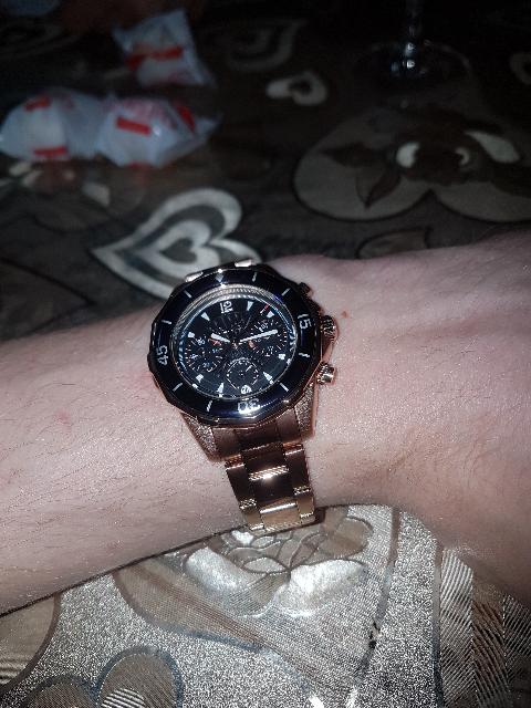 Качественные часы.