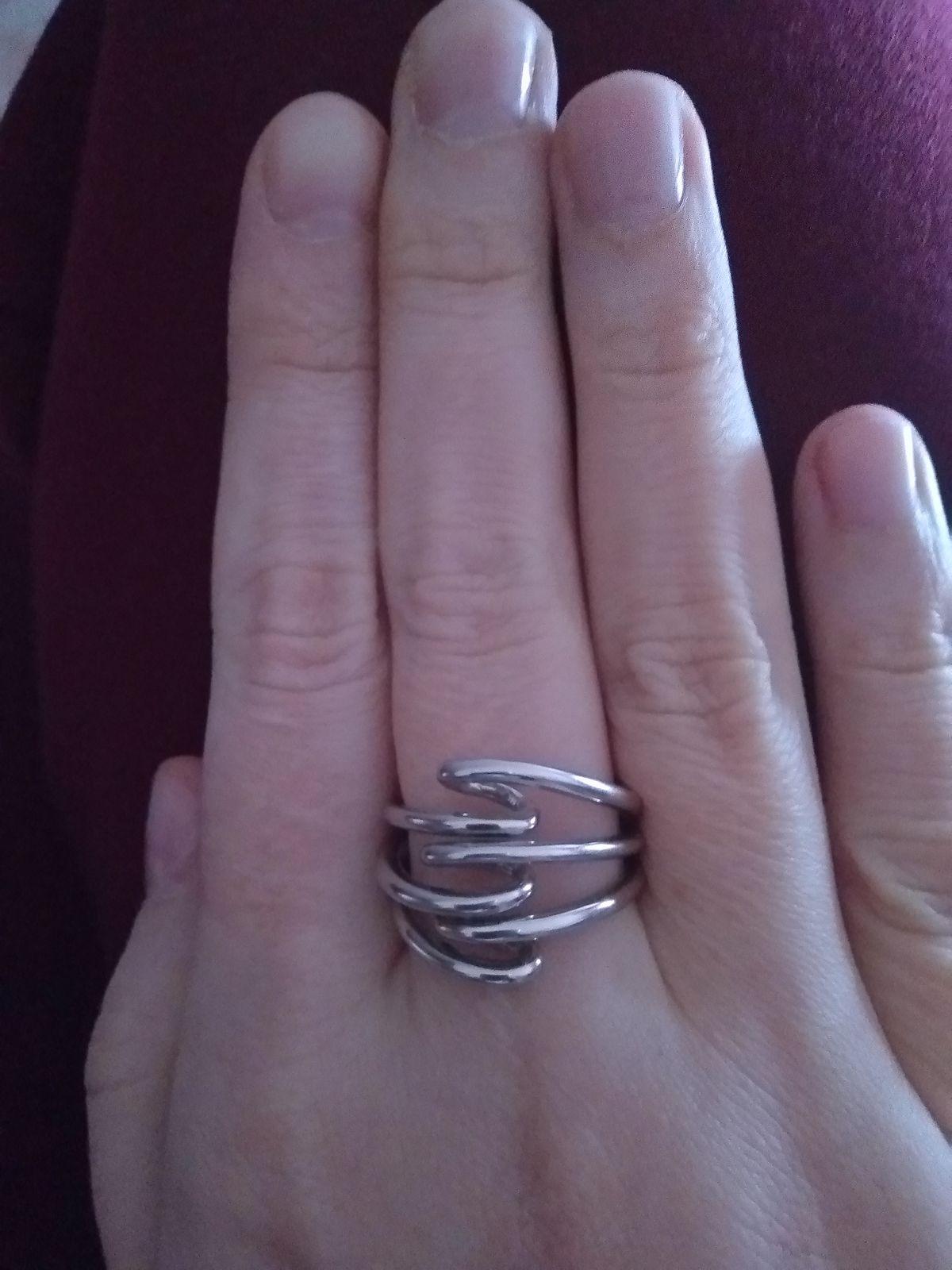 Кольцо стильное, но большемерит