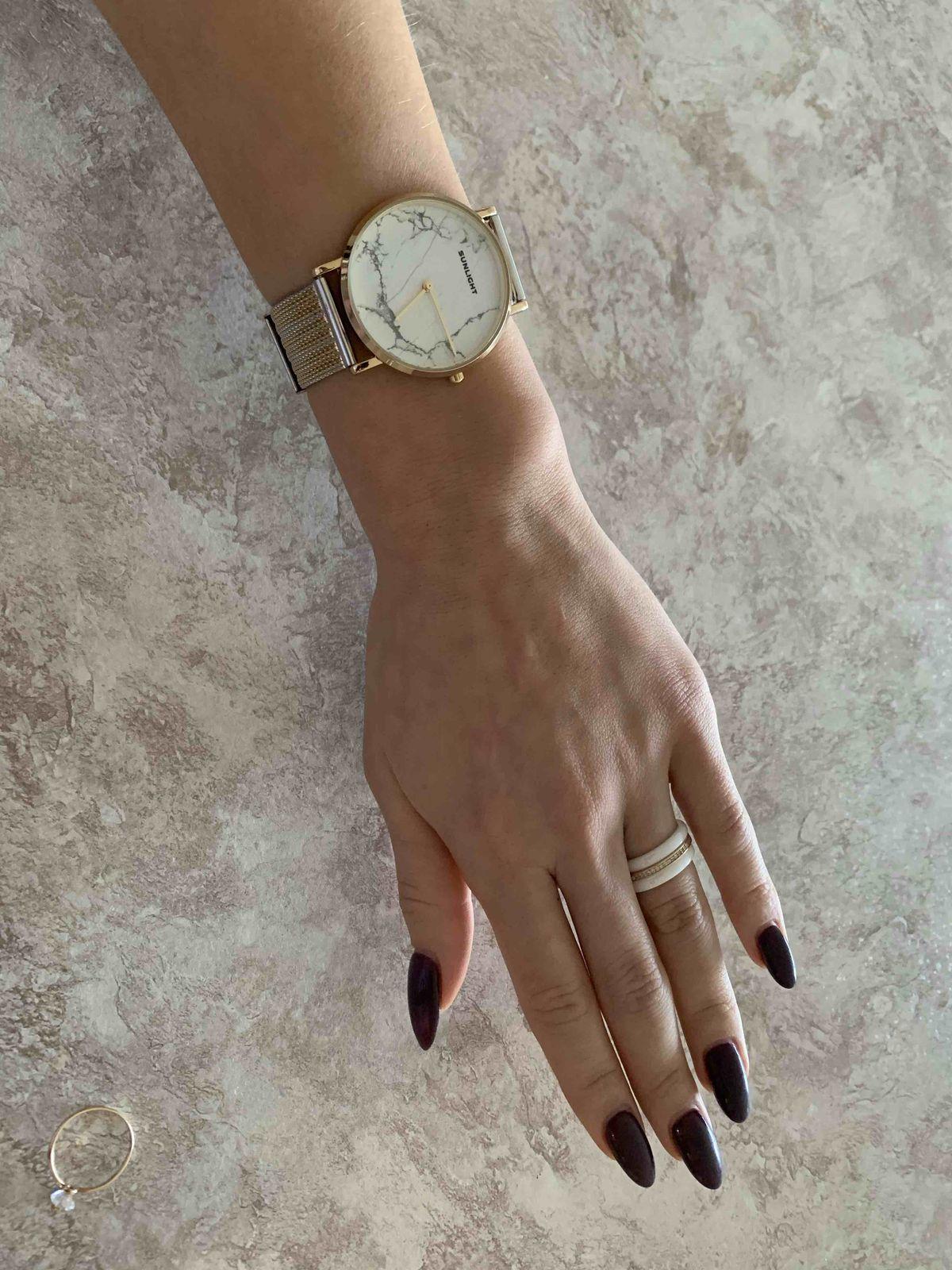Классические красивые часы