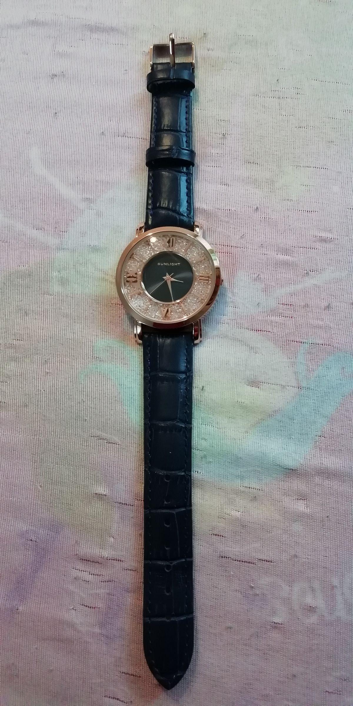 Часы с ремешком