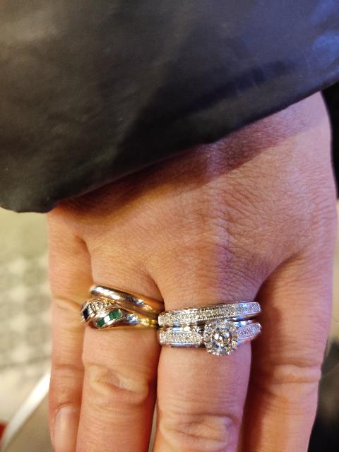 Двойное золотое кольцо с бриллиантом