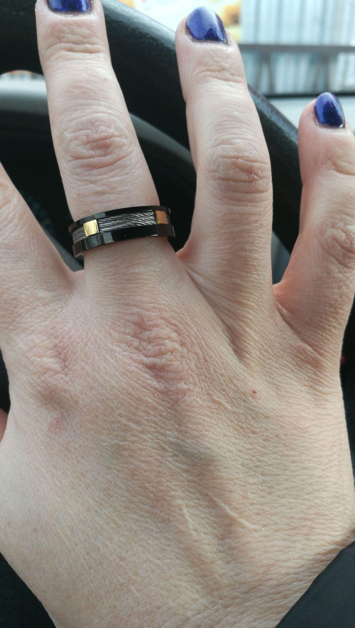 Отличное кольцо,смотрится хорошо.
