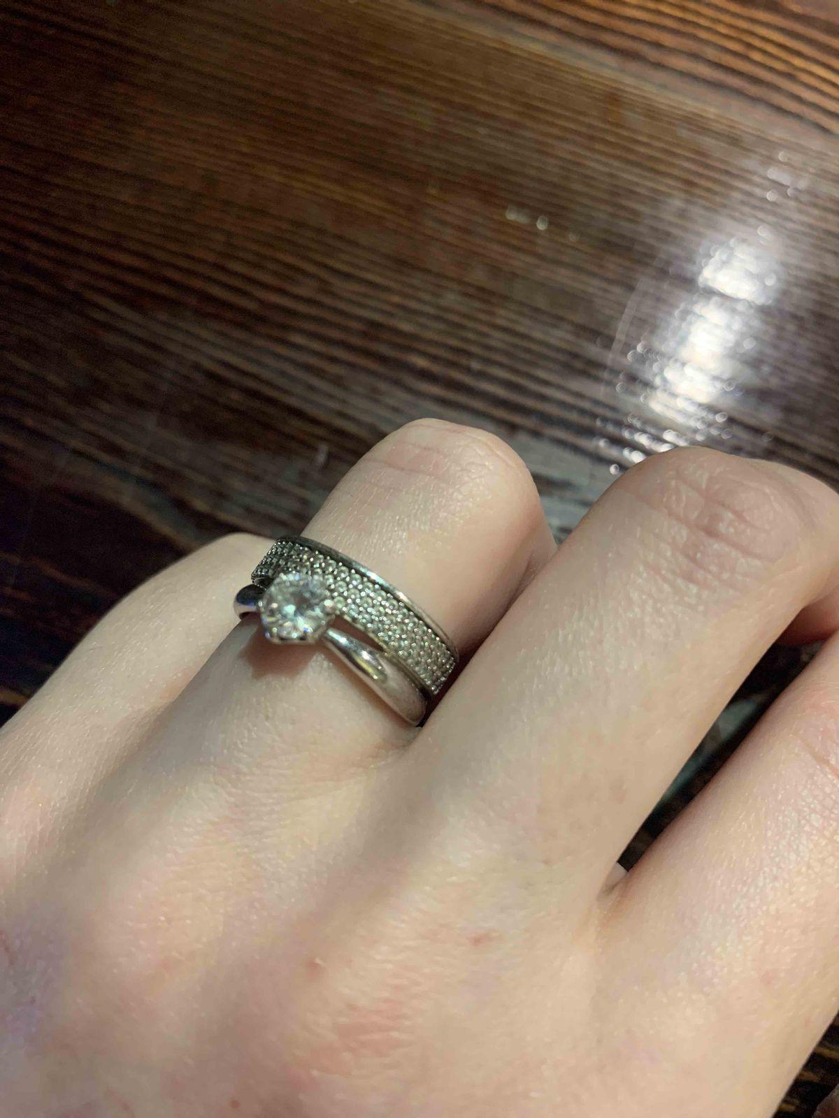 Просто в восторге от кольца, элегантное, крамивое, удобное всем советую.