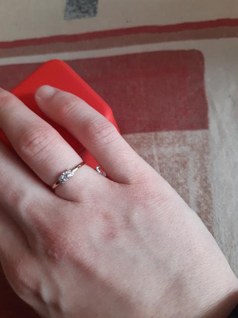 Кольцо на свадьбу.