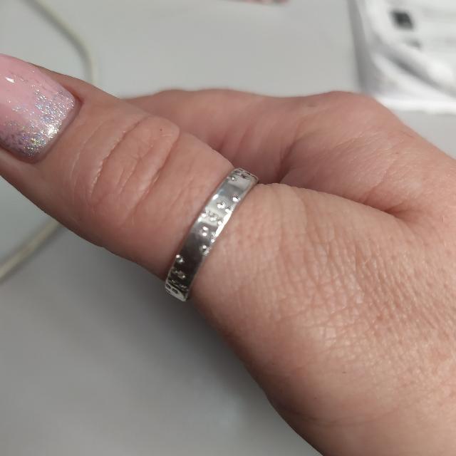 Серебреное кольцо с фианитом!