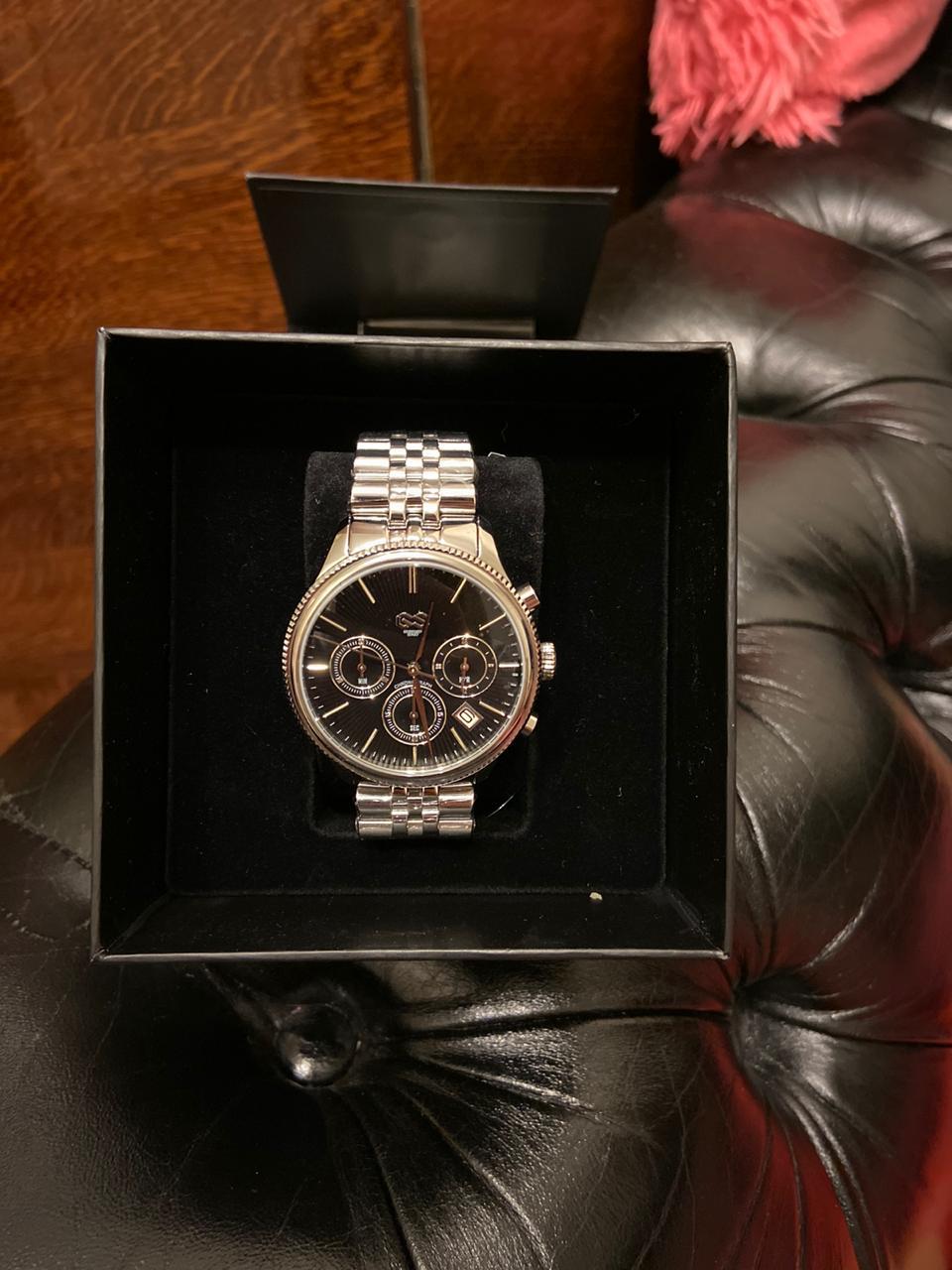Часы очень крутые доставили бысто спаибо вам