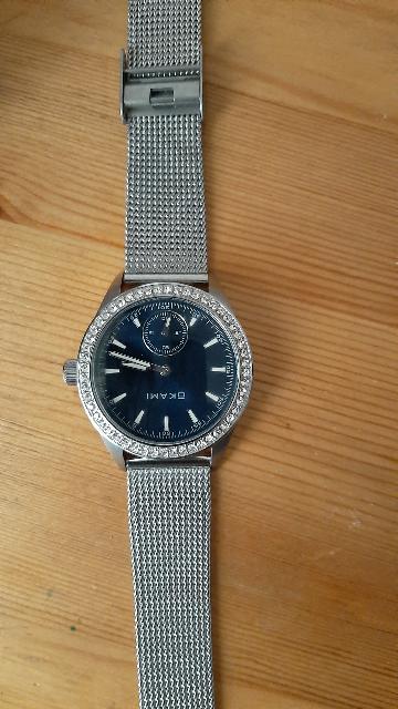 Сломались часы, поменяли без проблем ,спасибо  очень  красивые качественные