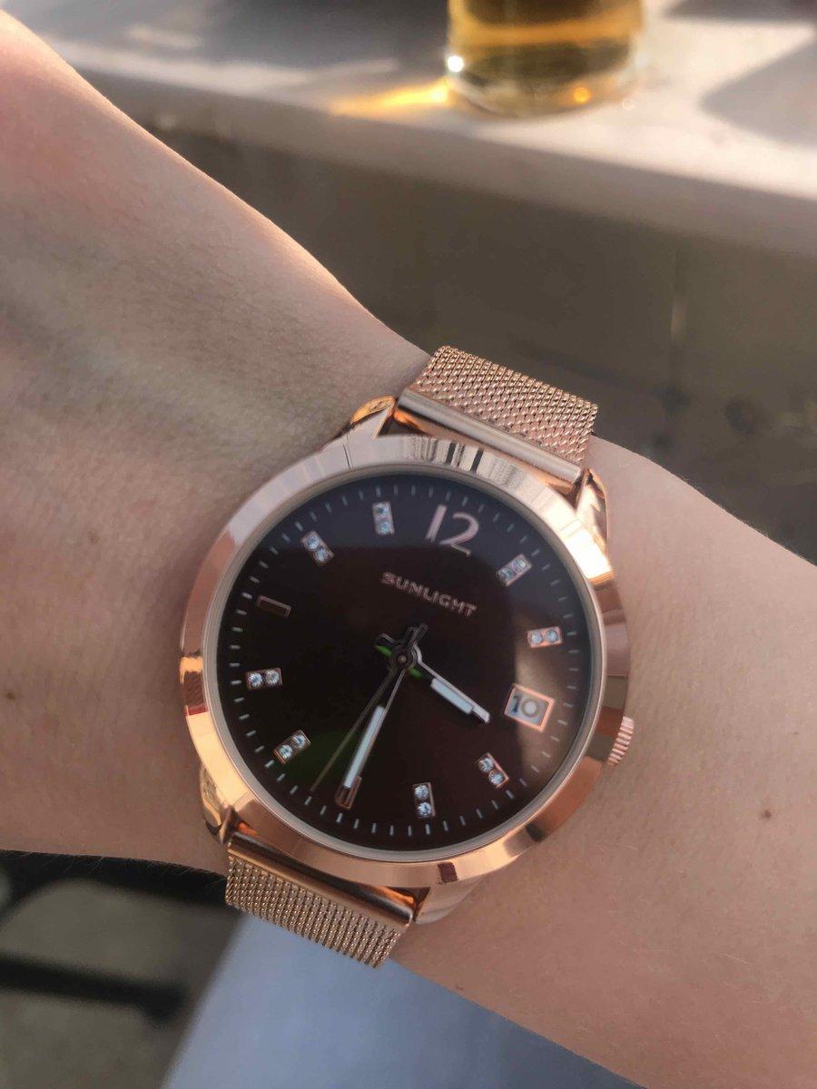 Классные часы ))