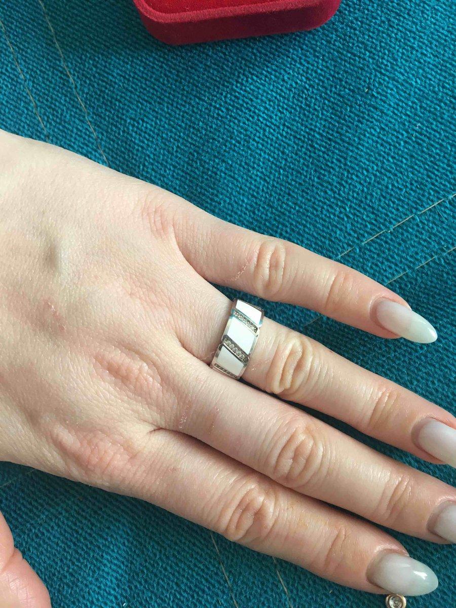 Очень коасивое кольцо.