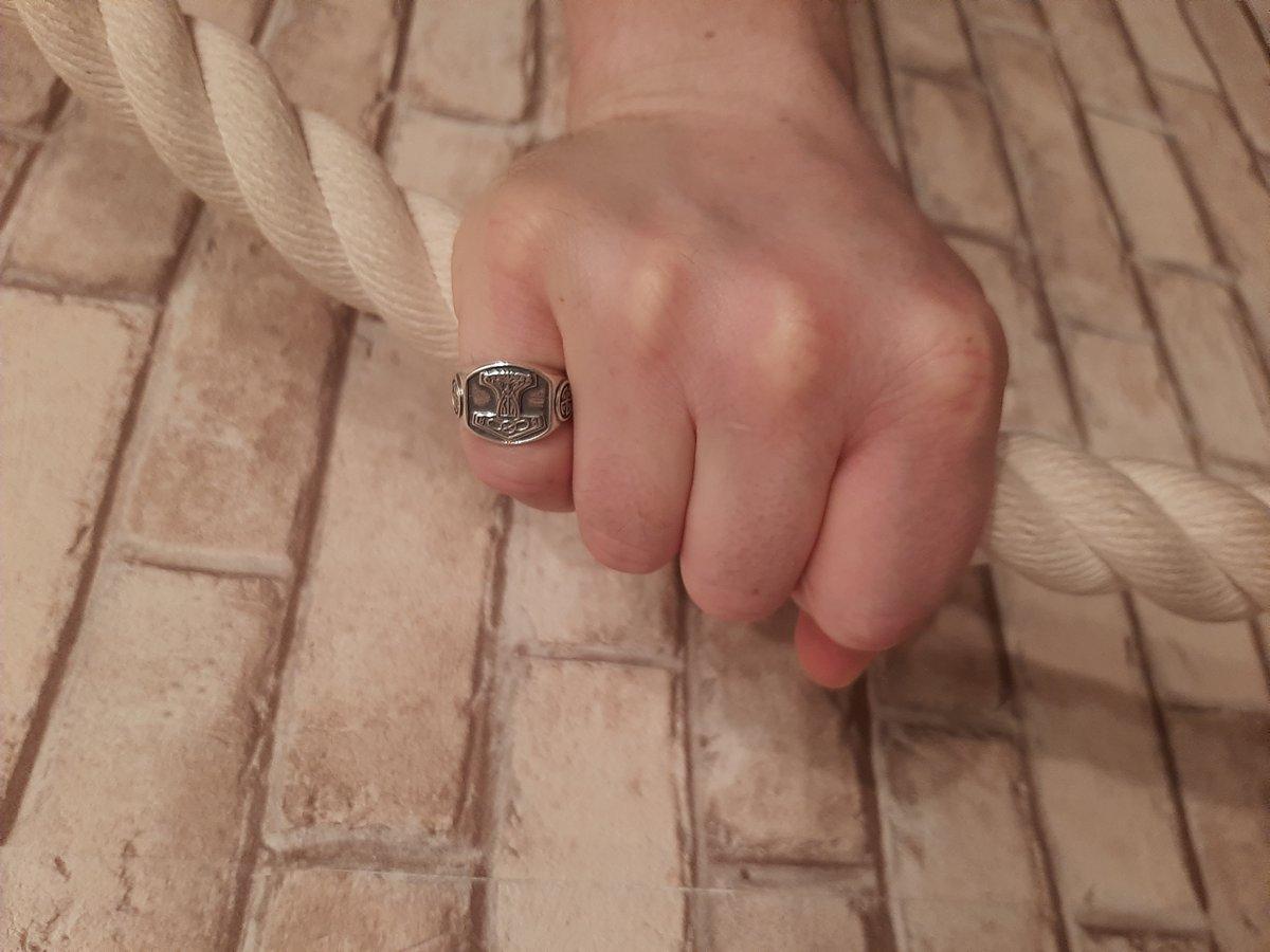 Красивое и брутальное кольцо!
