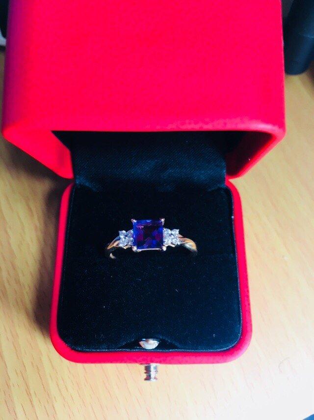 Классное и кольцо и упаковка