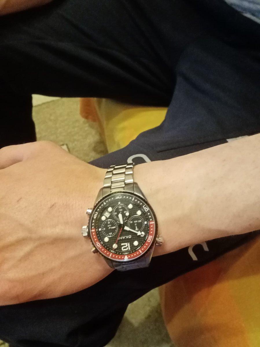 Стильные и качественные часы.