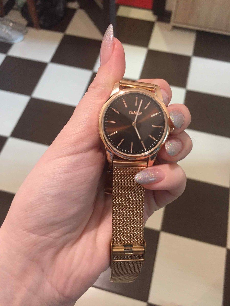 Часы красивые и хорошо сидят на руку