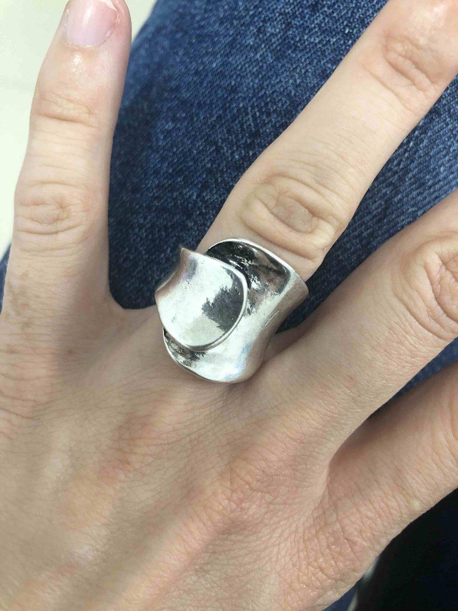 Кольцо с прекрасным дизайном