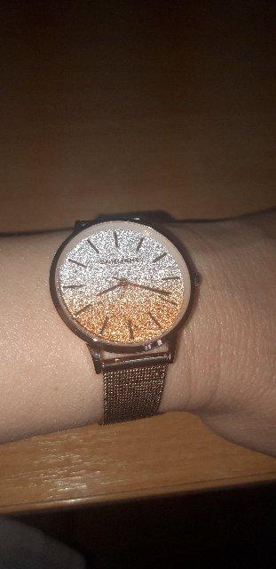 Часы классные, стильные. Необычно оформлен циферблат ,чем и привлек внимани