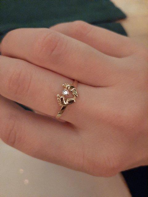 Символичное, красивое кольцо