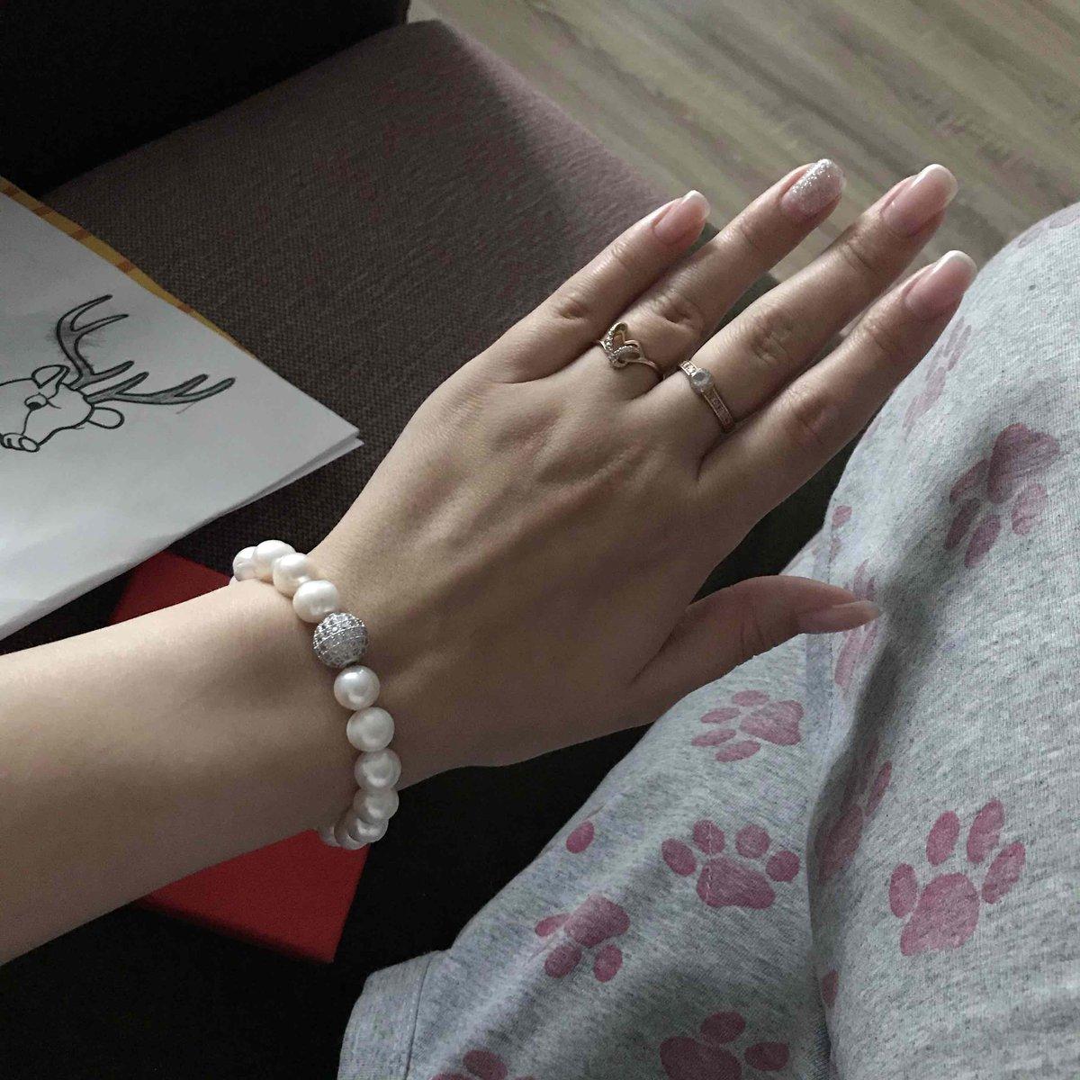 Очень красивый браслет с жемчугом👍