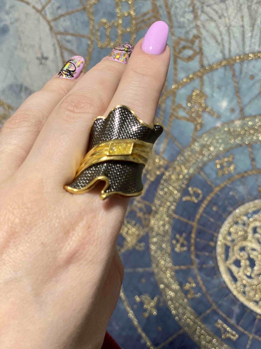 Оригинальное крупное кольцо