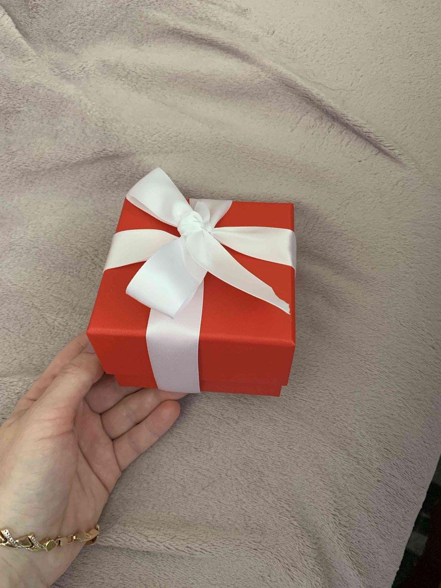 Изящная и хороша на подарок