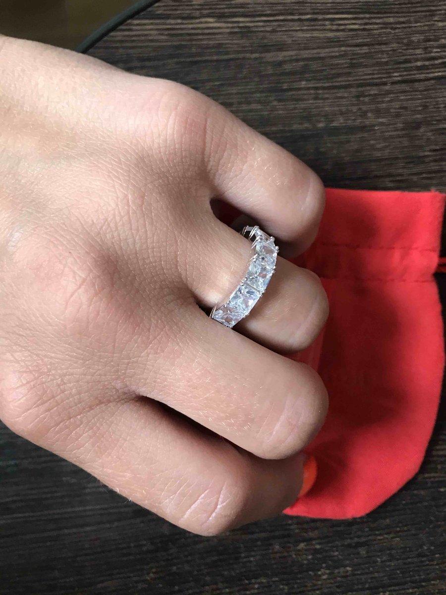Красивущее кольцо)