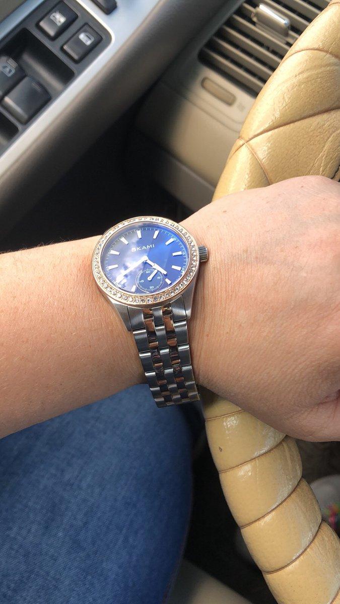 Часы на любителя сталь, просное стекло, для лета тяжеловато и рука потеет!)