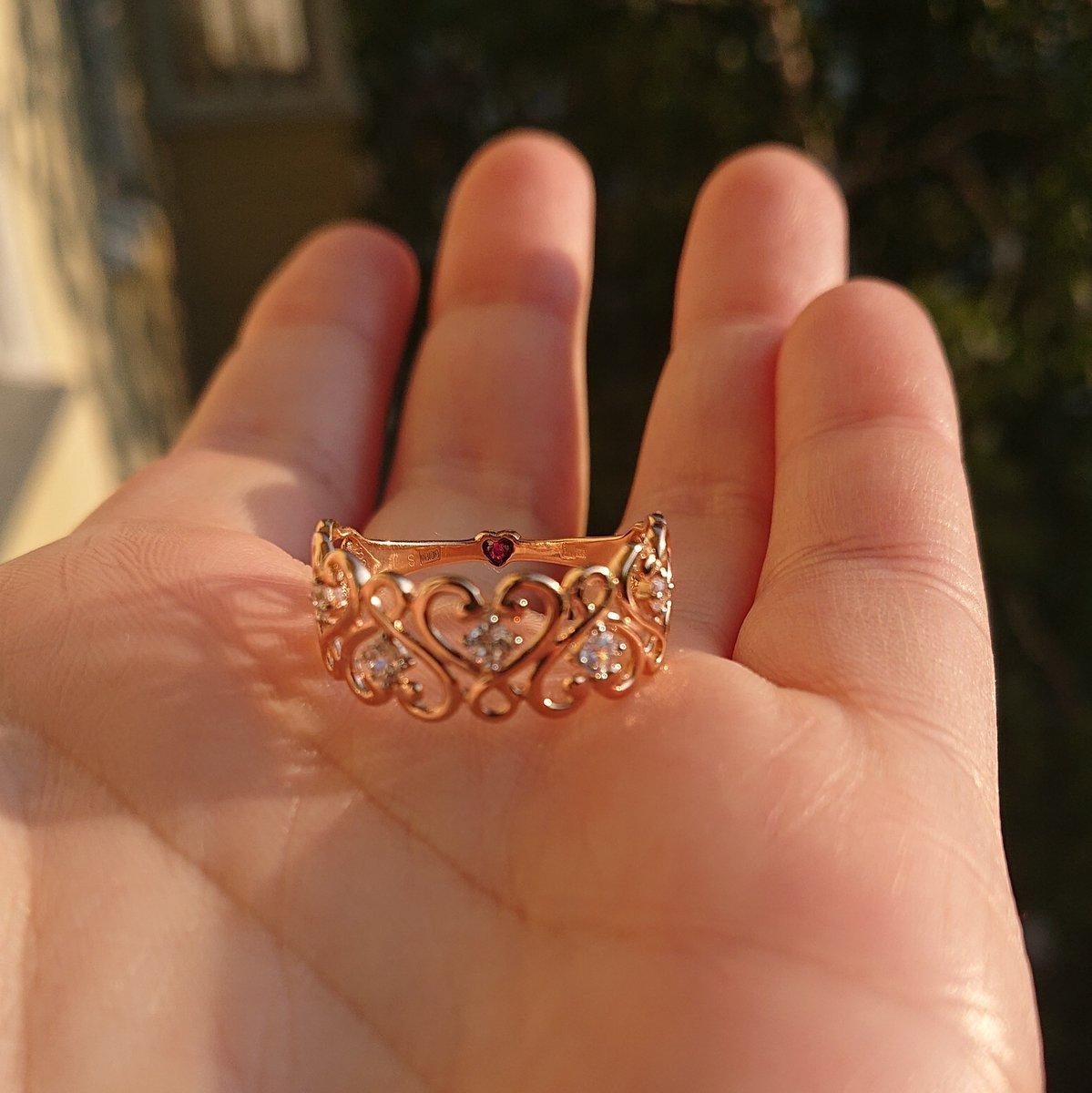 Ажурное кольцо с фианитами
