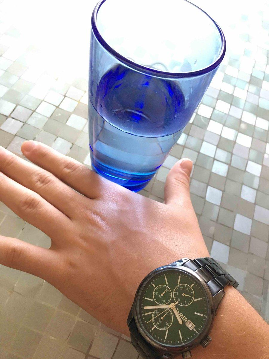 Неплохие часы за свои деньги, хотя и сильно затерлись во время носки.