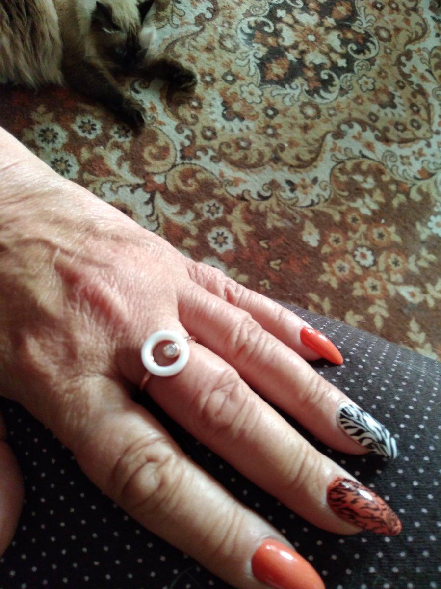 Кольцо с керамикой и фианитом