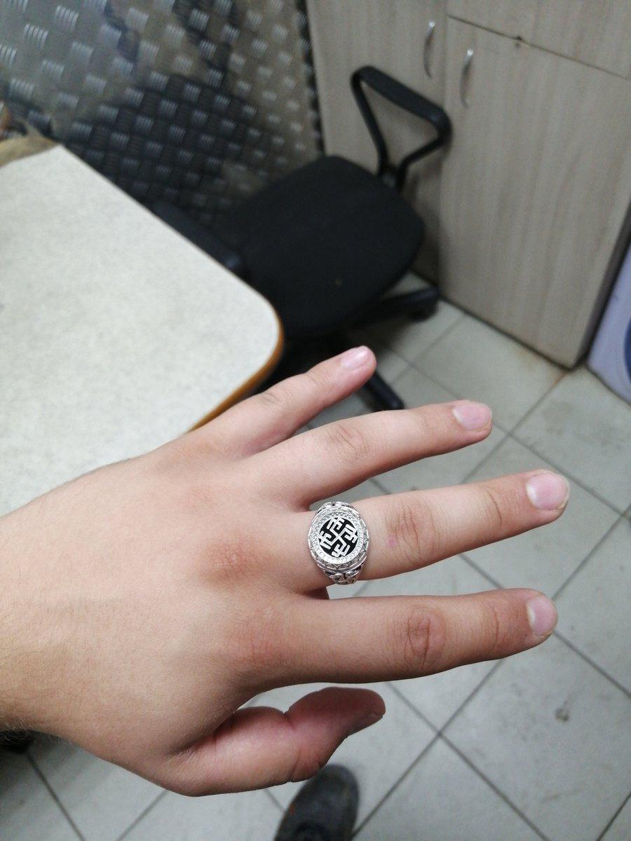 Отличная серебряная перчатка, которая выглядит как руна из какого то мифа д