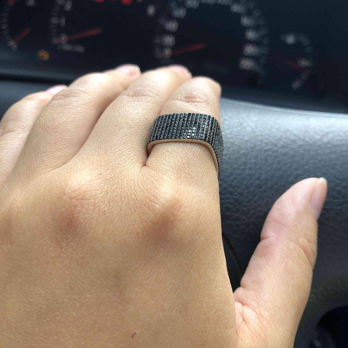 Кольцо потрясное.