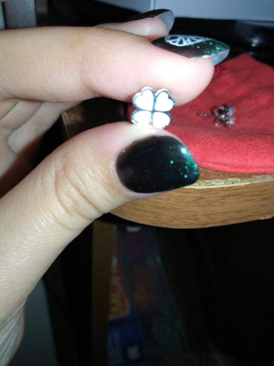 Прилестные миниатюрные серёжки