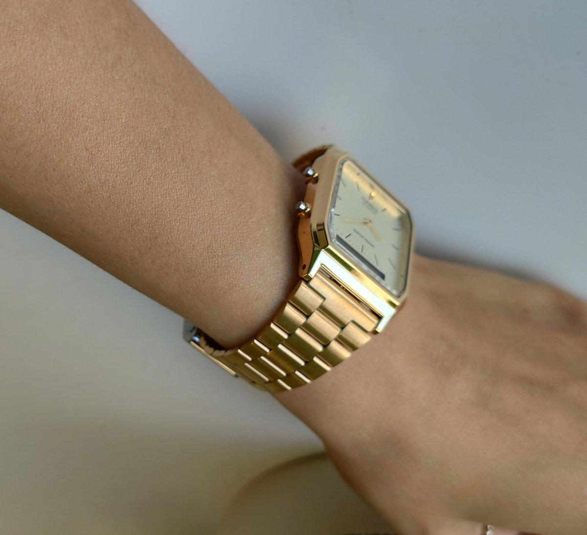 Стильные часы от casio