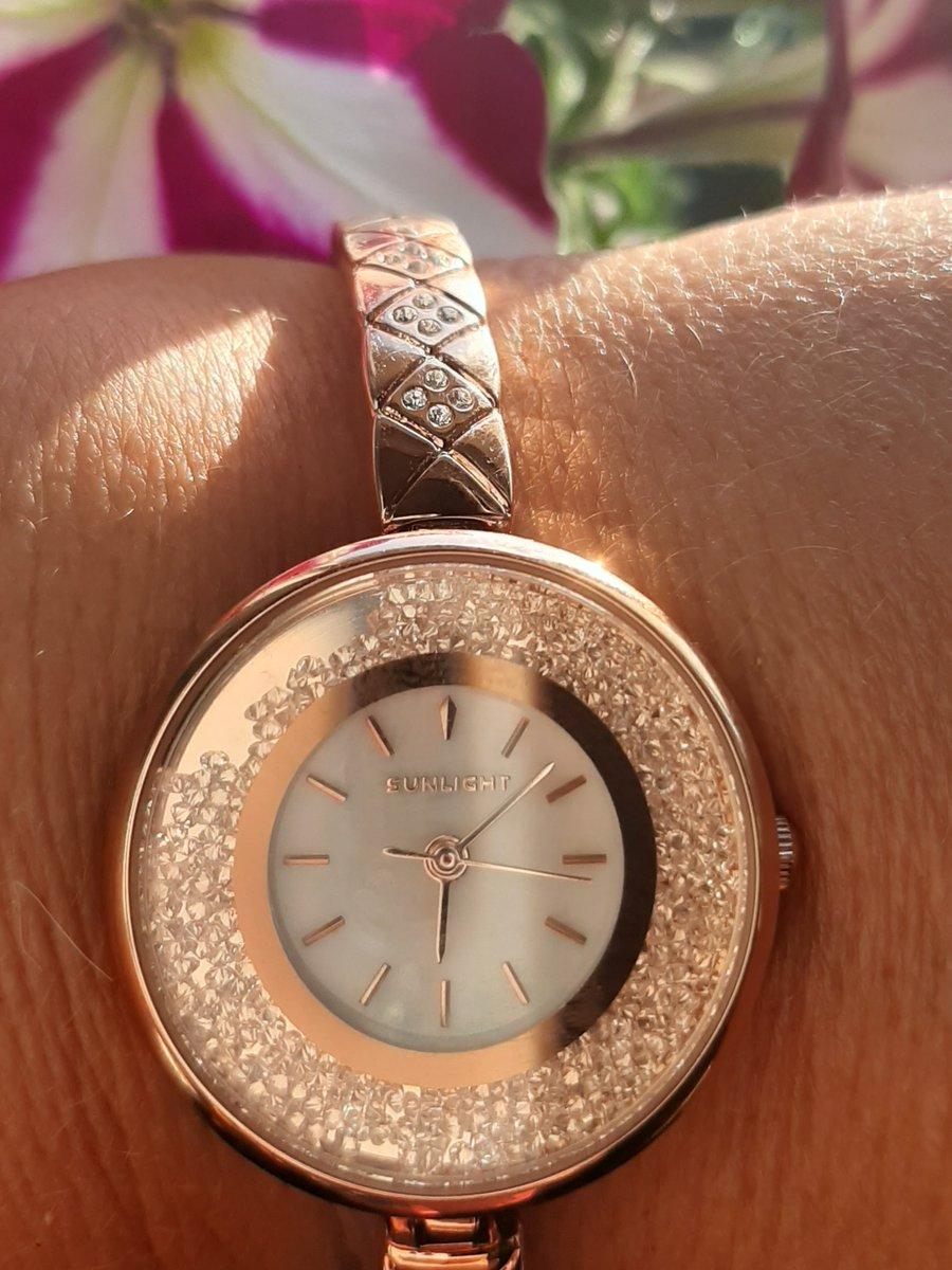 Очень красивые часы от SUNLIGHT!