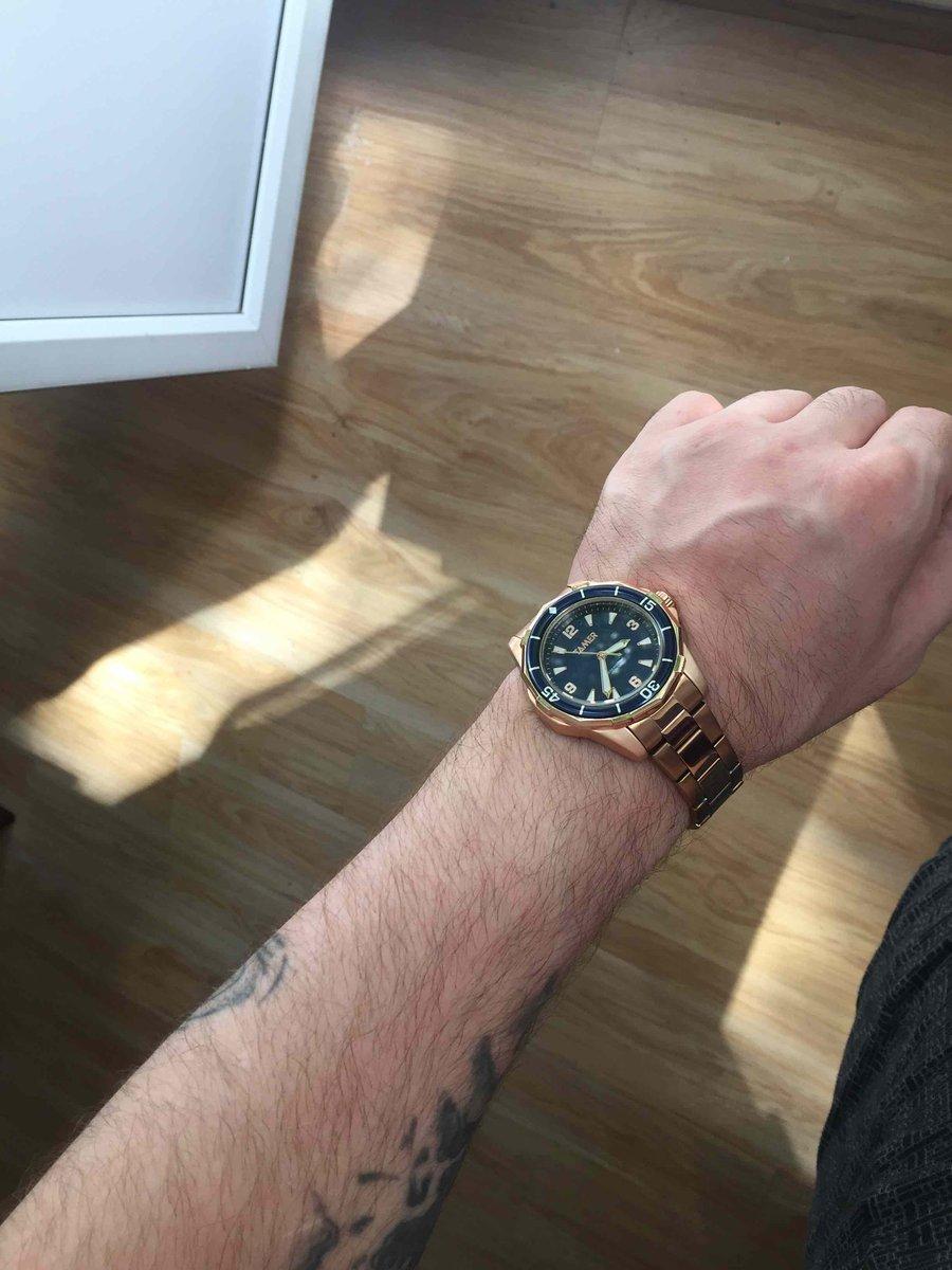 Часы золотоые